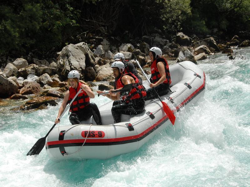 Rafting in Montenegro with camp Modra Rijeka